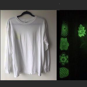 Gildan White Glow in Dark Long Sleeve T Shirt 🔥